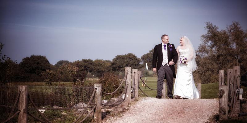 Hullbridge wedding photographers - The Rayleigh club Essex 1