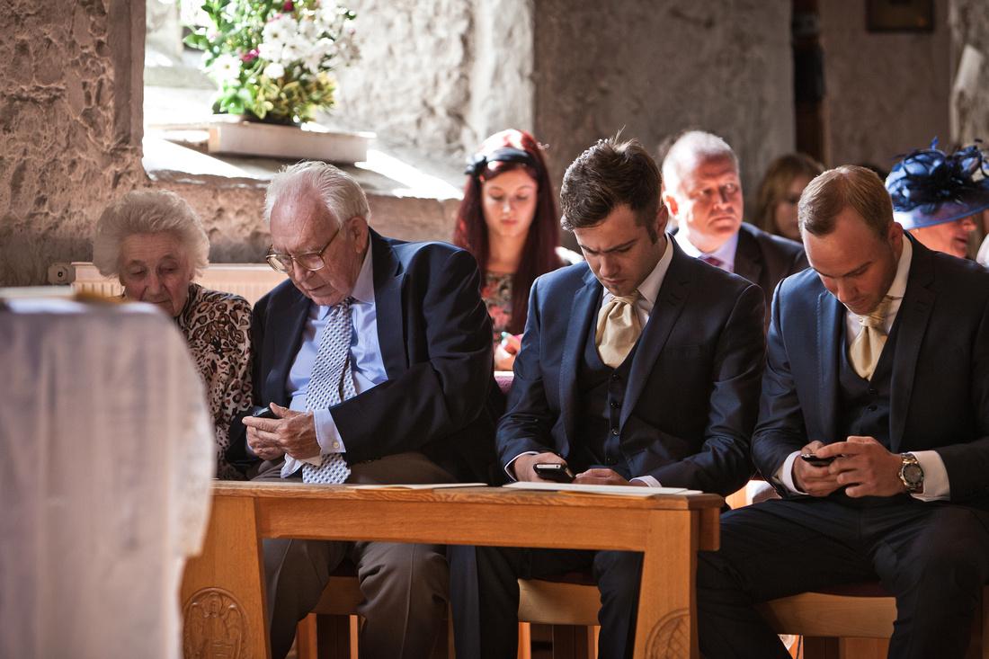 Reportage wedding photographer Essex