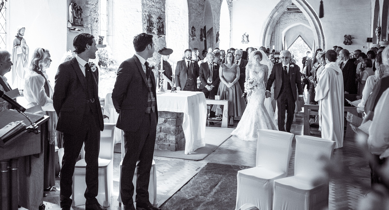 Wedding photography Hockley   St peter and Paul church in Essex.